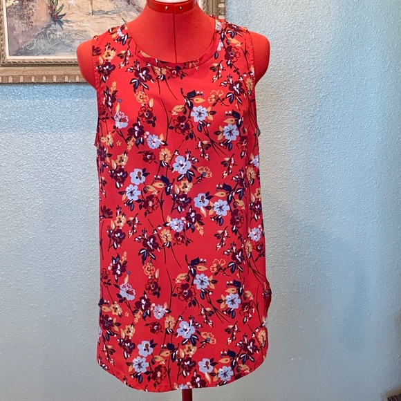 A & F sleeveless red floral top in size Medium